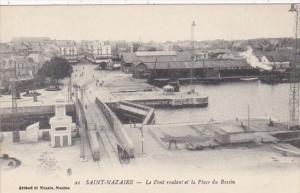 France Saint Nazaire Le Pont et la Place du Bassin