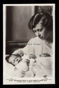r4690 - Princess Mary with newborn son George Henry Hubert Lascelles - postcard
