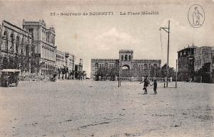 Souvenir de Djibouti, La Place Menelik, auto, car