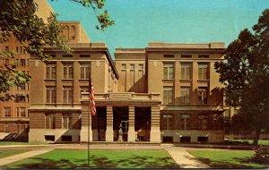 Missouri St Louis Barnes Hospital Front Entrance