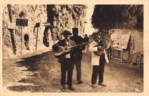 BF6328 menton music types frontiere paray le monial france      France
