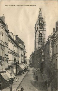 CPA DOUAI - Bas de la Rue de la Mairie (142163)