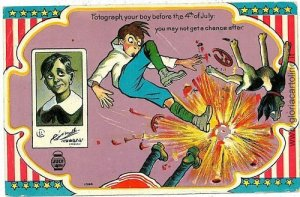 VINTAGE POSTCARD: INIPENDENCE DAY : JULY 4TH