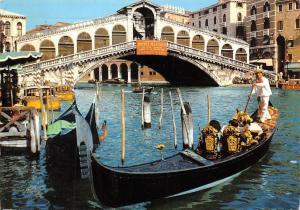 Italy Venezia Ponte di Rialto Bridge Rialtobrucke Gondola