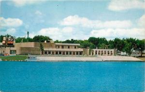 Waterloo, Iowa, IA, Recreation & Arts Center, Cedar River, Vtg Postcard a4628