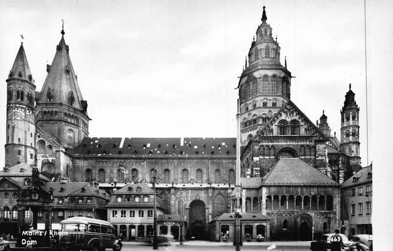 Mainz am Rhein Dom Cathedral Vintage Cars Auto Postcard