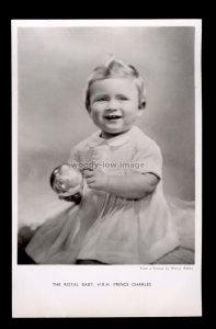 r4277 - Royal Baby Prince Charles smiling & playing Ball - Tuck's postcard