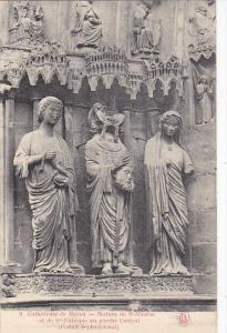 France Reims Statue de Saint-Nicaise et de St-Eutropie au porche Central