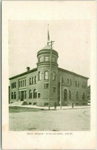 Kalamazoo, Michigan Postcard POST OFFICE Building / Street View Undivided Back