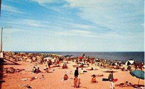 DE - Rehoboth Beach. Sun and Surf