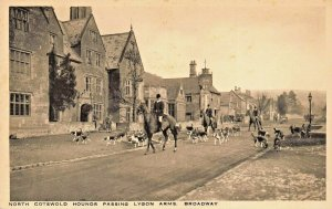 BROADWAY ENGLAND~COTSWOLD HOUNDS PASSING LYGON ARMS~RUSSELL SONS PHOTO POSTCARD