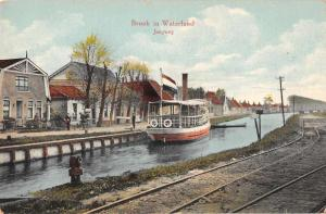 Broek in Waterland North Holland scenic view boat in canal antique pc Z41420