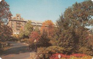 BUCK HILL FALLS, Pennsylvania, Entrance To The Inn 50-60s