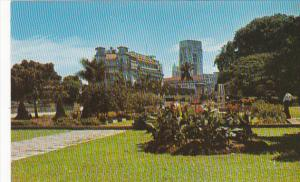 Singapore Elizabeth Walk