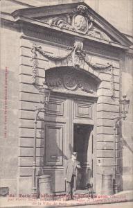PARIS , France , 1900-10s ; Porte de l'hotel Le Pelltier Saint Fargeau