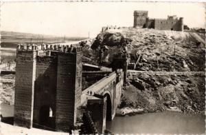 CPA Toledo Puente de Alcantara y Castillo SPAIN (743836)