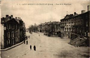 CPA St-Bonnet-le-Chateau Place de la Republique (687851)