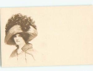 Divided-Back PRETTY WOMAN Risque Interest Postcard AA7962