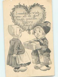 Pre-Linen christmas BOY GIVES GIFT WRAPPED PRESENT TO CUTE GIRL HQ6781