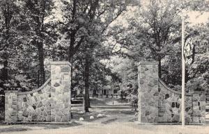 Lake Mills Wisconsin Tyranena Park Entrance Antique Postcard K65963