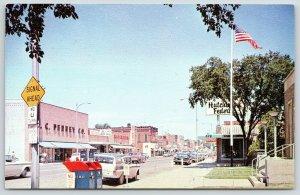 Hutchinson Minnesota~Main Street~JC Penney Store~Woolworth's~1950s Station Wagon