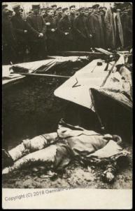 Germany WWI Crash Downed Airplane Dead Pilot 1916  Battlefield  RPPC 65321