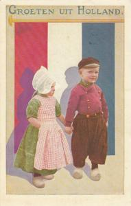 Groeten uit HOLLAND, PU-1955; Boy & Girl holding hands in front of Flag