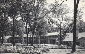 RP: DELAVAN LAKE , Wisconsin, 1930-40s ; Hotel , Lake Lawn Resort