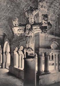 Vaison la Romaine, Croix Double Cloitre de la Cathedrale Notre-Dame