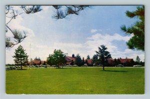 Land O' Lakes WI, King's Gateway Hotel Classic Cars, Chrome Wisconsin Postcard