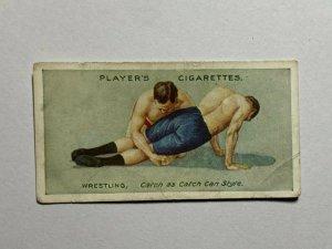 CIGARETTE CARD - PLAYERS WRESTLING & JU JITSU #11 KNEE GRIP    (UU253)