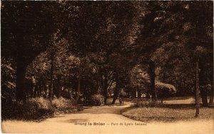 CPA   Bourg-la-Reine - Parc du Lycée Lakanal  (581499)