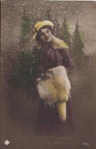 Elegant woman early Christmas greetings postcard Hungary clothes hat fur