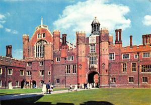 Hampton Court Palace - Middlesex