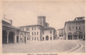 ASOLO , Treviso , Veneto , Italy , 00-10s ; Piazza Vittorio Emanuele