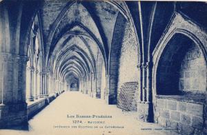 Interieur Des Cloitres De La Cathedrale, BAYONNE (Pyrenees Atlantiques), Fran...