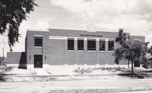 RP: WYOMING , Iowa , 30-40s; Auditorium - Gymnasium