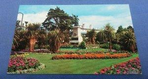 Vintage  Postcard The Memorial Gardens Clacton-On-Sea Postmarked 1979 E1B
