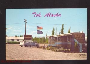 TOK ALASKA PORT OF ENTRY HIGHWAY VINTAGE POSTCARD OLD CARS