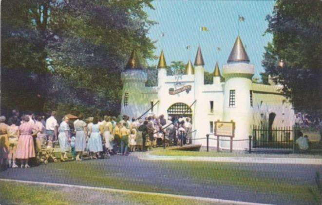 Canada London Entrance Castle To Storybook Gardens