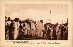 CPA Majunga- Jour de fete,Jeux aux Ciseaux MADAGASCAR (819663)