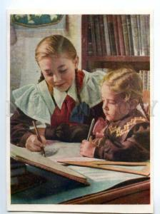 137447 PIONEER Girl & little girl Making lessons Old Russia PC