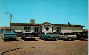 KAYENTA, AZ  Arizona  Mac & Jerry's JUNCTION CAFE  c1960s Cars Roadside Postcard