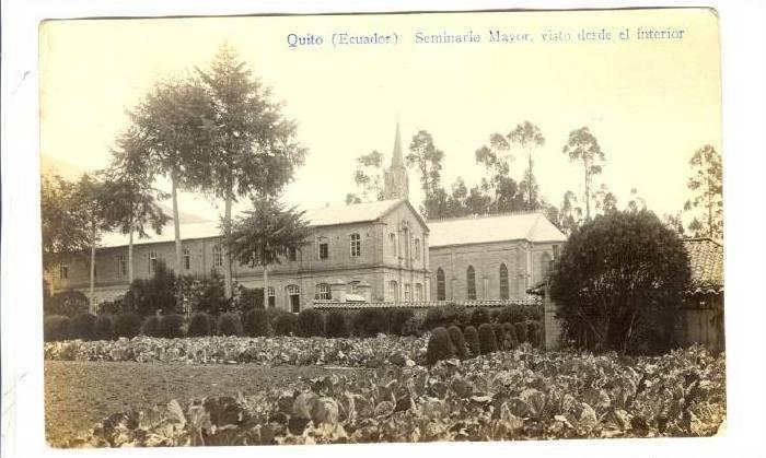 RP: Seminario Mayor , visto desde el interior ,Quito, Ecuador , 00-10s