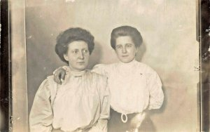 TWO WOMEN PEARL & LUCY DRAYER REAL PHOTO POSTCARD c1910s POSSIBLY FROM MICHIGAN