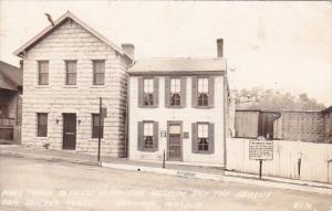 Mark Twain Boyhood Home The Museum And The Famous Tom Sawyer Fence Hannibal M...