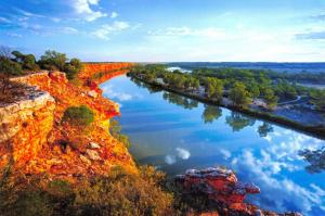 Postcard Golden Glow on the Cliffs of Murray River, South Australia A96