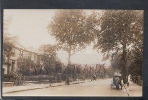 London Postcard - Lonsdale Road, Barnes   HP288