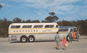 Buses/Bus Stations Post Card Greyhound Unused
