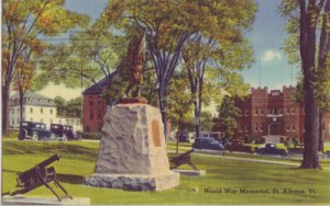WORLD WAR MEMORIAL - View of  bronze statue flanked by two artillery guns, 1940s
